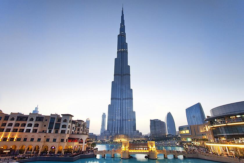 7 Things to do in Dubai on a Layover - burj khalifa