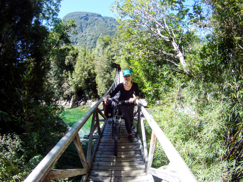 Cycling through Patagonia is probably the most rewarding way to see this incredible landscape. Guest author Esther tells us what it is like to see Chile's south by bike.