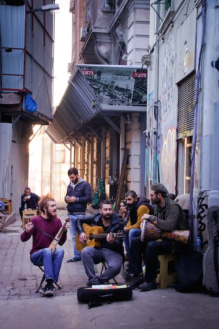 Istanbul Street Musicians Refugee Crisis