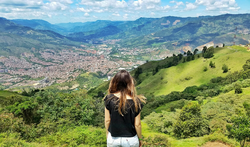 From a boring office job to a life of work and travel - this is how one young girl managed to live her dream!