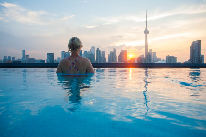 The city of Toronto has so much to offer, it can be hard to chose. Here are the most Traveletty things to do & see, where to stay and shopping tips.