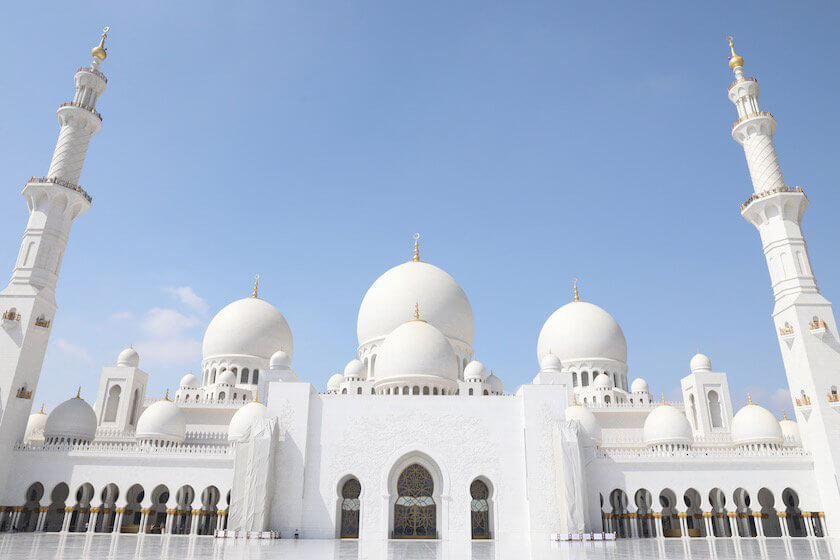 The Ultimate Guide to a Long Layover in Abu Dhabi! What to do, where to go and how to make the most out of your layover!