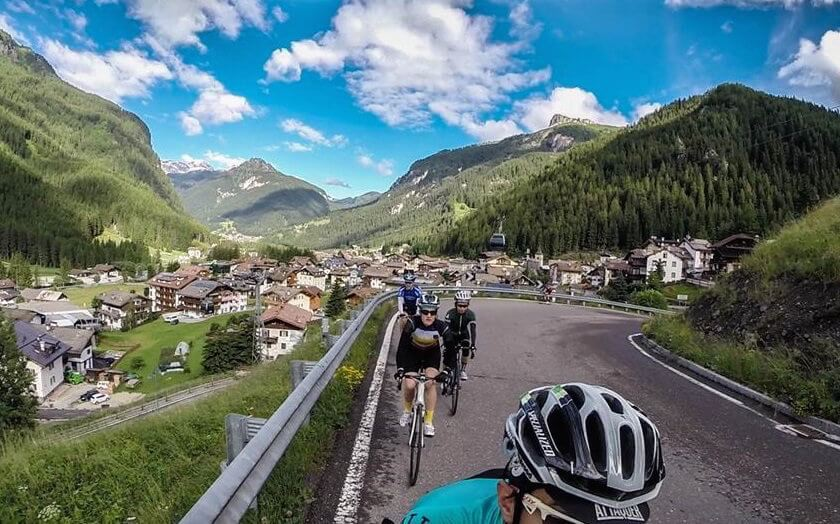 Do you like cycling, mountains and travel? Then this story about a cycling holiday in the Italian Alps is for you!