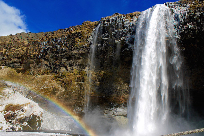 Iceland is expensive - but that doesn't mean you can't do it on a budget! This are our top tips for traveling Iceland on a budget.