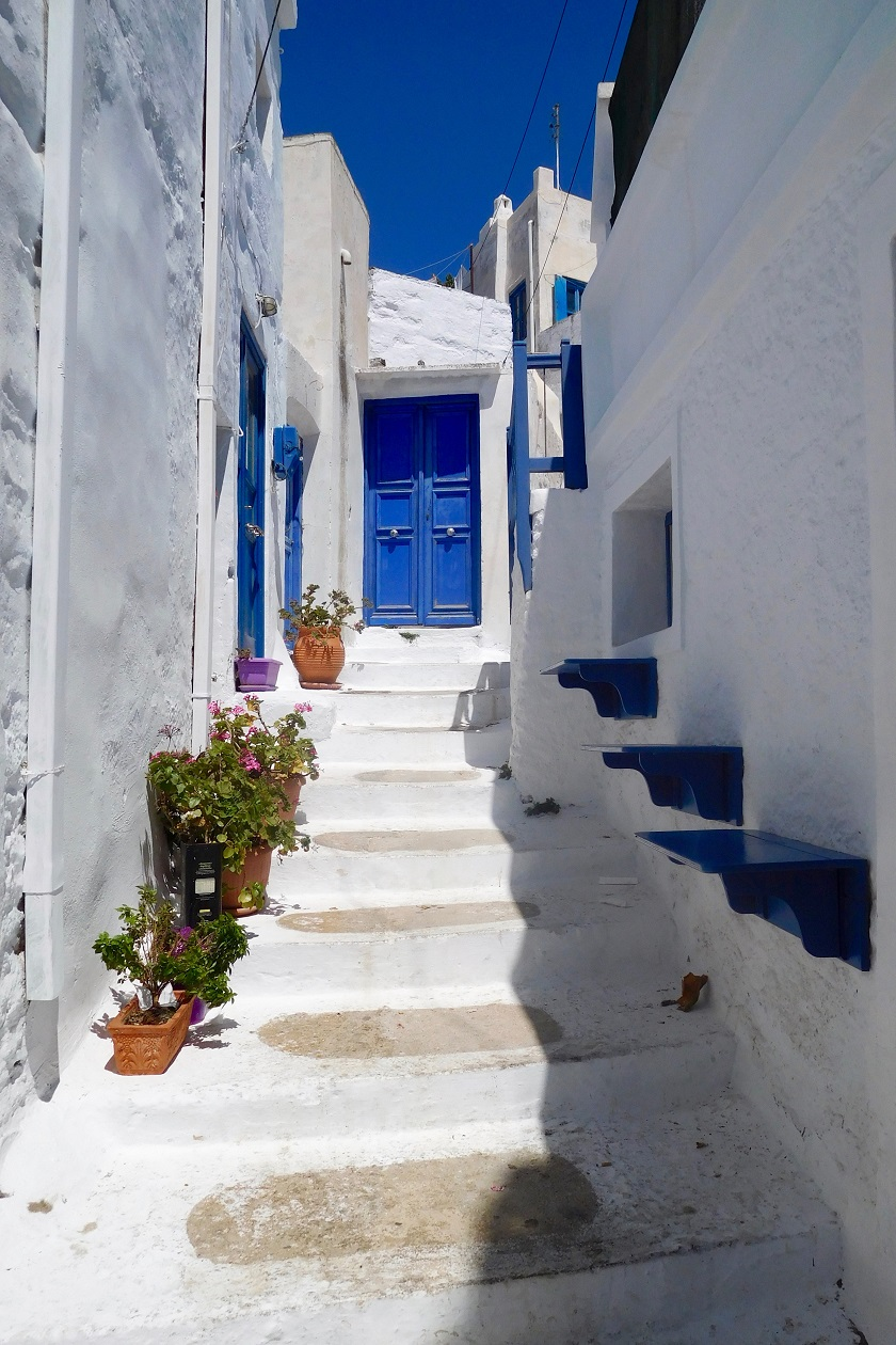 Travelettes A Typical Greek Street In The Chora Of Amorgos