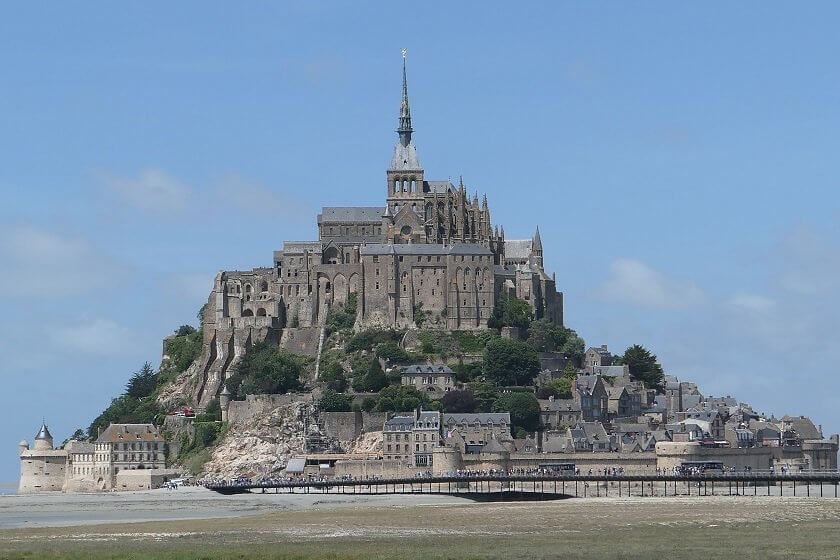 From Mont Saint-Michel to the turquoise waters of St Malo, this travel guide for Brittany in France tell you where to go, where to stay and what to eat!