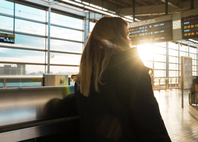 10 Ways to Survive a Long Airport Layover