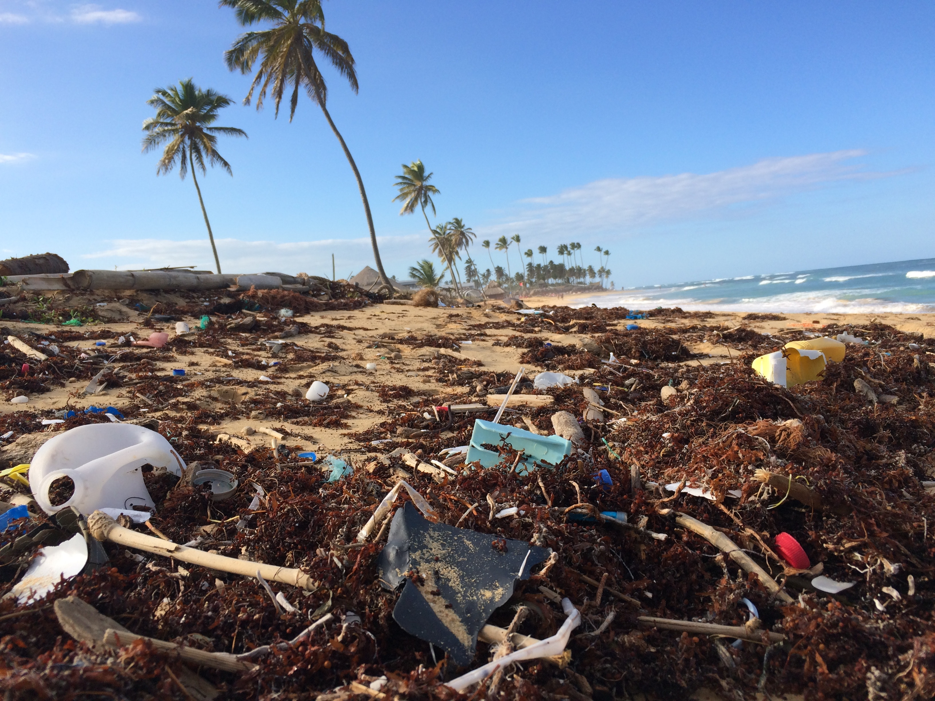 5 simple ways to reduce your plastic use whilst traveling