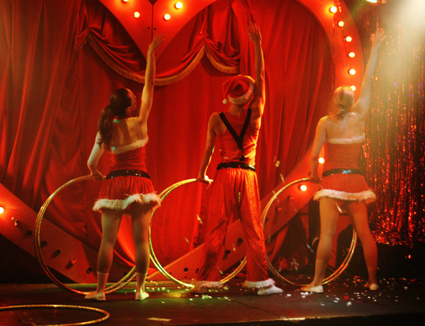 London: Chess boxing and Hula-hoop burlesque