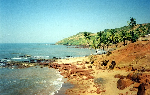 Anjuna Beach in Goa, photo by AlmazUK