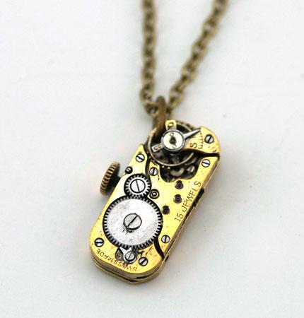 gold_rectangle_pendant_1