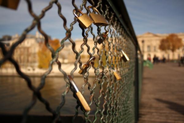 Lock your love in Paris