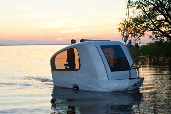Camping on Water - the Sealander