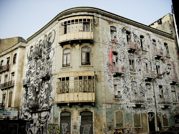 Cutting edge street art in Lisbon