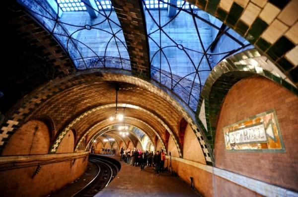 subway 2 600x397 New York City's Hidden Subway Station