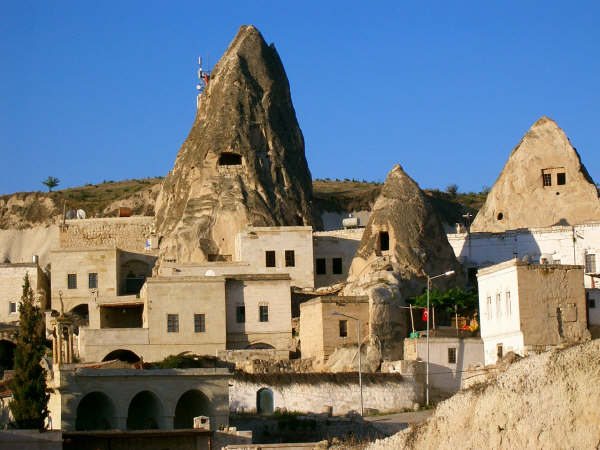 Aydinli-Cave-Hostel-