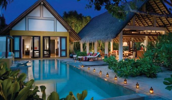 landaa giravaaru beach villa