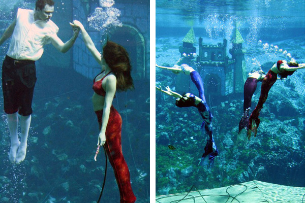 Weeki Wachee Mermaids performing