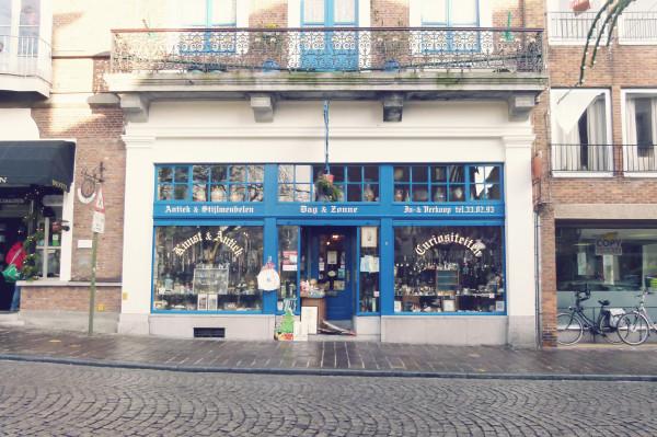 Curiositeiten Shop in Bruges