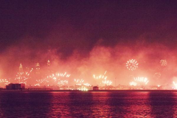 Fireworks Dubai Skyline NYE 2013