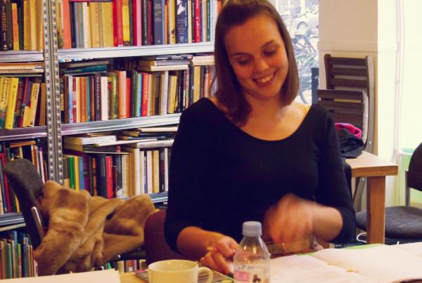 Frankie Learning Dutch