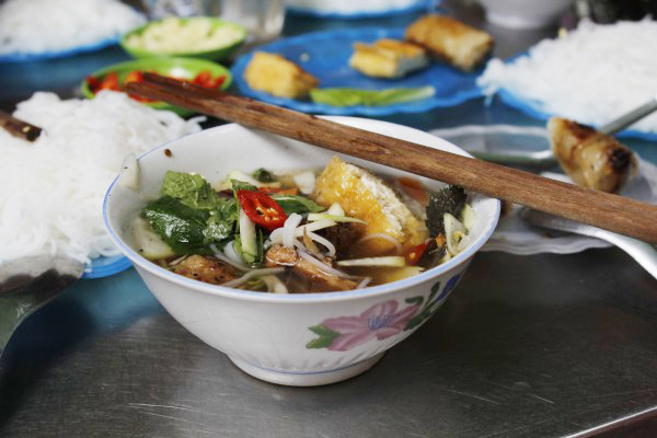 Noodles for Breakfast - a Trip to Vietnam