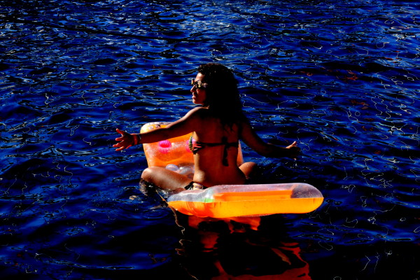 104 Sophie Saint raft party travelettes sailling.hr Croatia