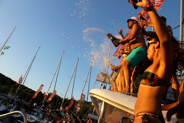 Alex Saint Travelettes SailingHR Champagne Shower