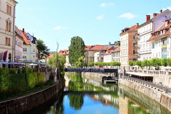 by the river in ljubljana_x960