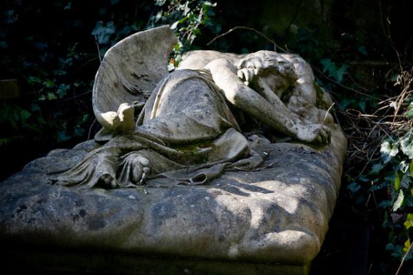 highgate cemetery 2 Tom Bennett