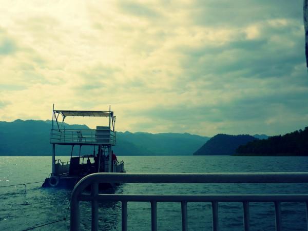 kanchanaburi houseboat edit