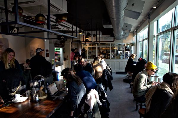 Cool Things to do in Chicago in Winter - Emily Perkinson - Cafe