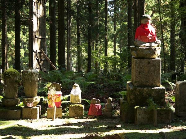 travelettes marie colinet japan koyasan