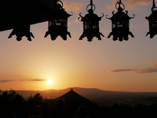 travelettes marie colinet japan nara lanterns