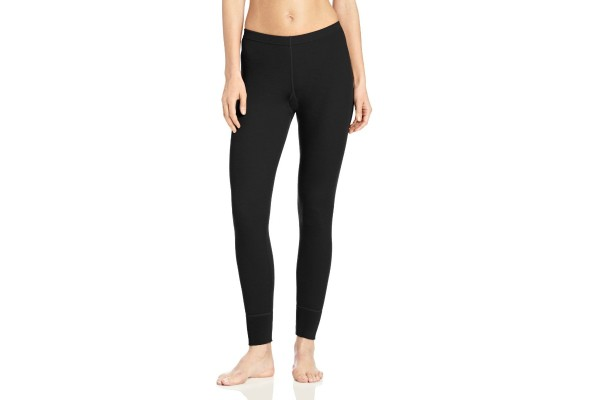 5 Necessary Winter Travel Accessoires - base layers bottoms