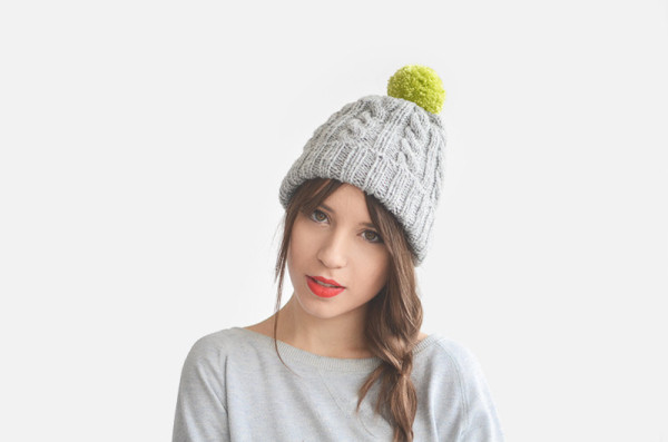 5 Necessary Winter Travel Accessoires - beanie hat