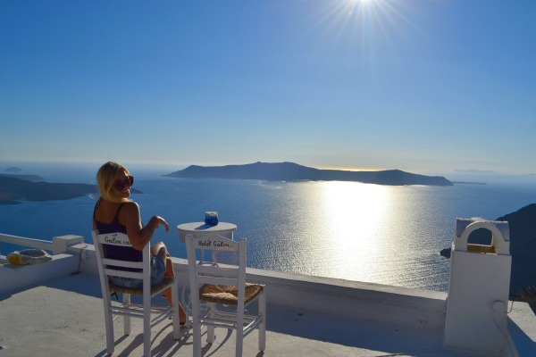 10 Amazing Greek Islands Experiences - Cafe Galini, Santorini