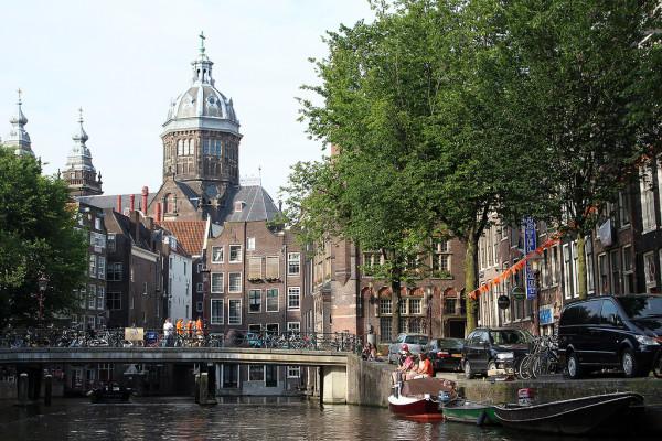 Boat rides Amsterdam - Frankie Thompson
