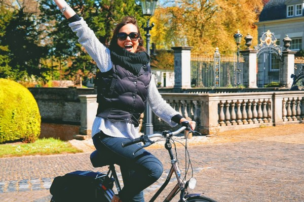 Frankie Cycling in Netherlands
