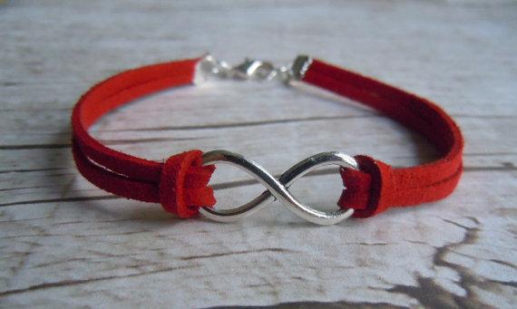 Lovely Gifts for Travelers - Infinity Bracelet