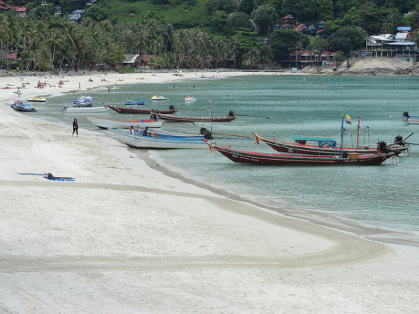 """Exploring the Impact of Tourism with """"Gringo Trails""""_Haad Rin Beach Thailand"""