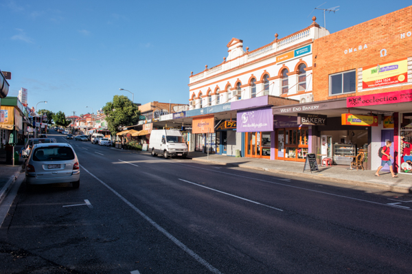 Travelettes Guide to Brisbane's Suburbs - Boundary St West End