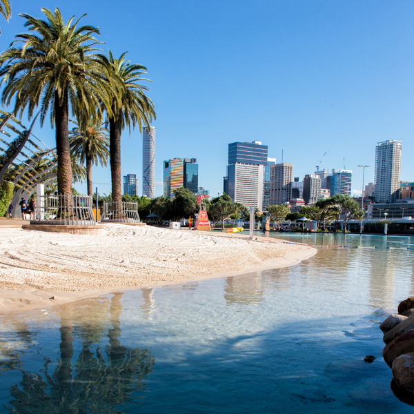 Travelettes Guide to Brisbane's Suburbs - Streets Beach