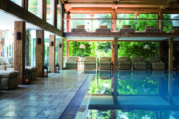 07_Meisters_Hotel_Irma_Pool_Innen