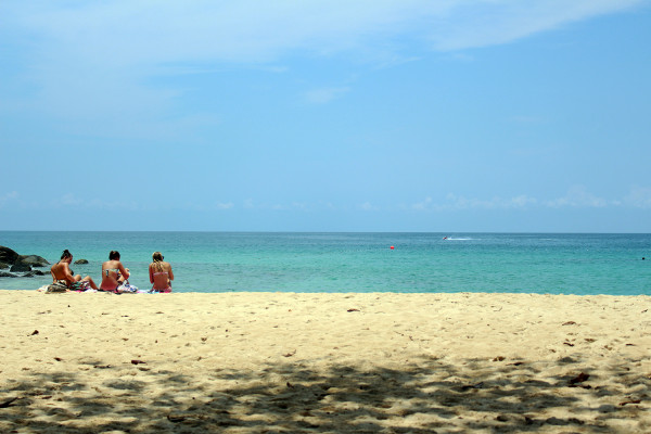 Girls on a beach - Travelettes Review of The Surin, Phuket by Frances M Thompson