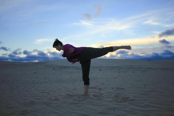 How yoga can make you a better traveler - kamah yoga - sophie saint-3
