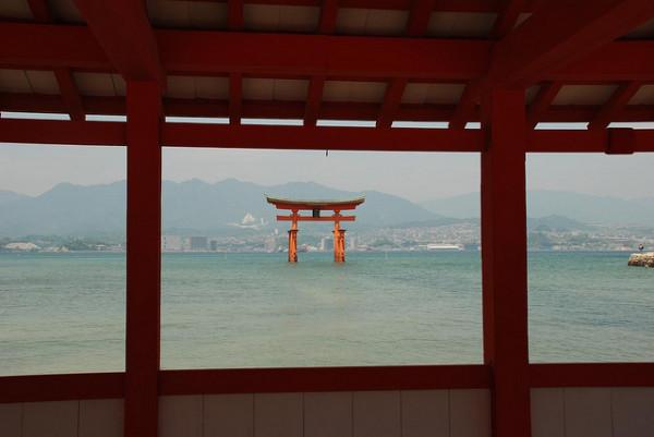 The colours of Japan, photo by xiquinhosilva | travelettes.net