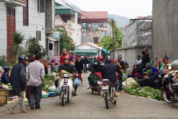 The Sunday market in Bac Ha, Vietnam - Liv Clarke 19