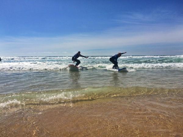 polish girls surf standing