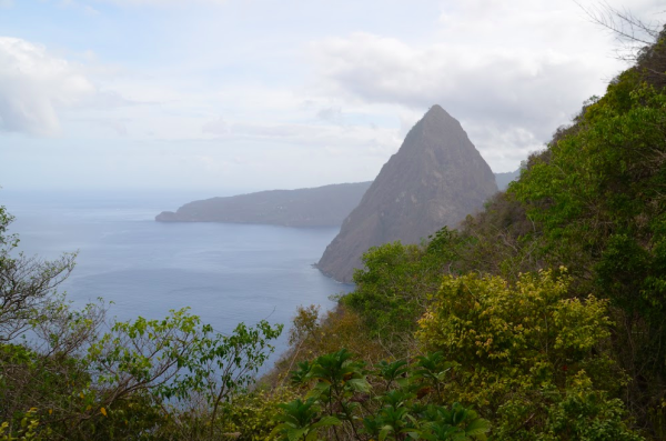 Beginners Guide to Saint Lucia - Lia Pack - Travelettes - Piton 2